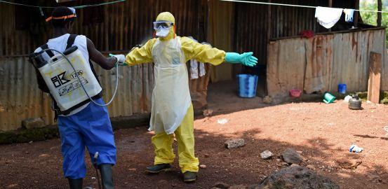 Comment la Suisse s'est mobilisée contre le virus Ebola